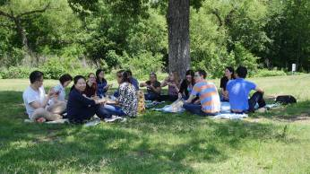 Picnic with the Bai lab and friends